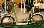 'Un engin bizarre, entre trotinette et vélo électrique'